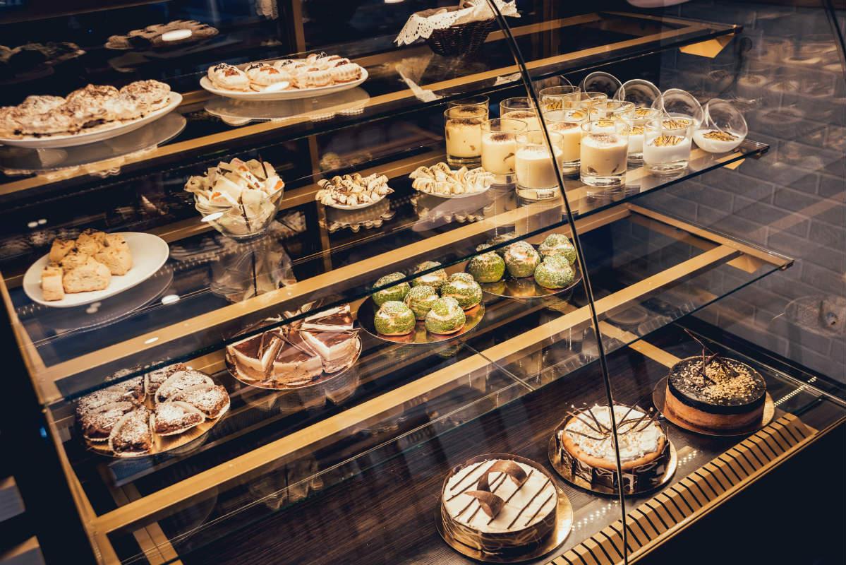 Vetrinette per negozi a milano nuova mocara for Negozi tavoli milano
